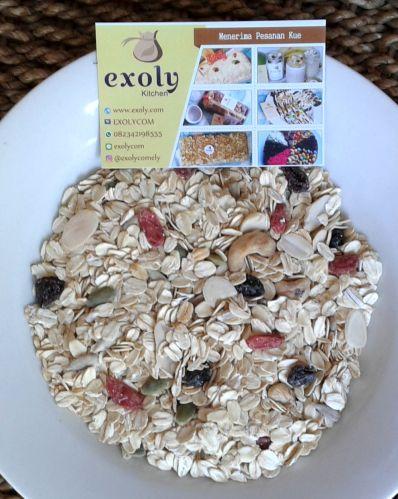 Muesli  Muesli  Selamat pagi semuanya..Exoly mengeluarkan produk baru. Apa itu? Muesli. Yuk dicobain.  Untuk informasi dan pemesanan silahkan jangan ragu-ragu untuk menghubungi Exoly.  Tagged: bali denpasar dried fruits exoly exoly kitchen healthy breakfast muesli raw muesli rolled oats sarapan sehat        URL: http://bit.ly/2qKyg8f Managed by: IKAHANA http://bit.ly/2pL8aPu