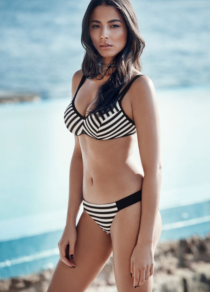 The JETS Swimwear striped bikini on Jessica Gomes | The mood is French Riviera getaway with a modern twist in this C-D cup gidget style bikini top. Walk the line to bold summer style in stripe with premium function and fit. Think contrast double bands, shaped panel detail and underwire support.