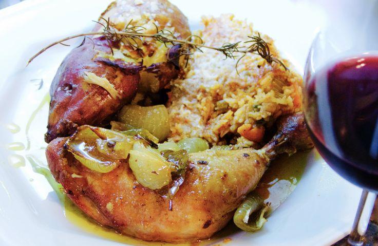 https://flic.kr/p/GytDK6 | Frango Iraniano | O segredo da comida iraniana esta no tempero e no arroz basmatico. O uso do Curcum, ou curcuma, é medicinal, alem do aroma e sabor adicionados a qualquer receita.   Harmoniza bem com Cabernet Sauvignon e tintos leves.   Ingredientes para dois:    Duas coxas e sobrecoxas de frango, duas batatas doces, meia xícara de arroz, molho de tomate, uma abobrinha pequena, uma cenoura, 4 dentes de alho, uma cebola, sal, alecrim em ramos, louro. Limão e…