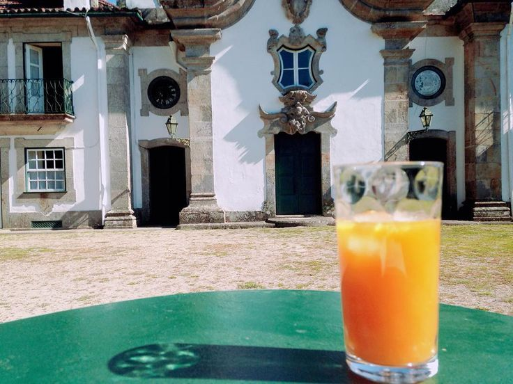 Monday afternoon  #traveling #travelling #travelgram #travel #juice #orangejuice #architecture #archidaily #architectureporn #historical #historicalhouse #oldhouse #tourism #turismo #turismoportugal #oporto #porto #vacation #holidays #chill #food #foodporn #healthyfood #douro #dourovalley #portugal #airbnb #bookingcom #trivago #tripadvisor by casaouteiro.tuias
