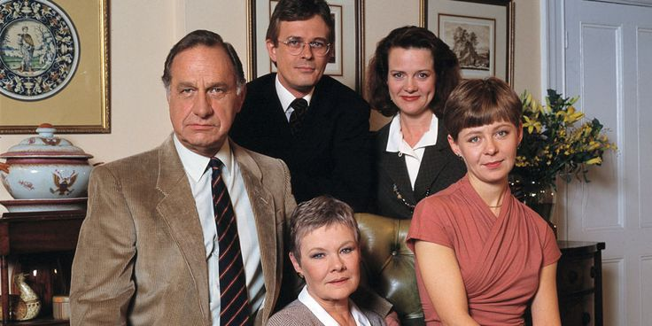 As Time Goes By. Image shows from L to R: Lionel (Geoffrey Palmer), Alistair Deacon (Philip Bretherton), Jean (Judi Dench), Judith (Moira Brooker), Sandy (Jenny Funnell). Copyright: DLT Entertainment Ltd..
