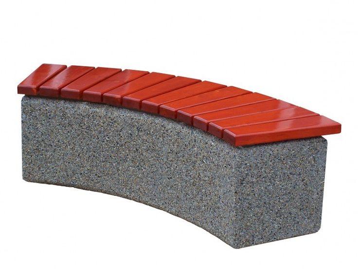 Ławka betonowa  Wysokość cakowita(cm): 46 Długość całkowita (cm): 157 Szerokość cakowita (cm): 43 Grubość listew(cm): 4 Waga około 350 kg.     Duża waga ławki powoduje, że trudno ją przesunąć i nie ma potrzeby przykręcana jej do podłoża. Więcej na www.cityarch.eu