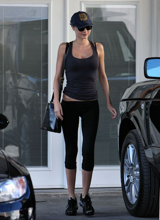 Miranda Kerr workout clothes