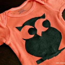 Learn how to hand dye onesies and use freezer paper as stencils.Freezers Paper, Crafts Ideas, Paper Stencils, Diy Tutorials, Stencils Onesies, Diy Owls, Baby Shower, Baby Crafts, Owls Onesies