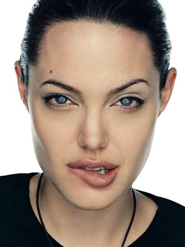 """""""Angelina Jolie photographed by Gilles Bensimon - 2000 """""""