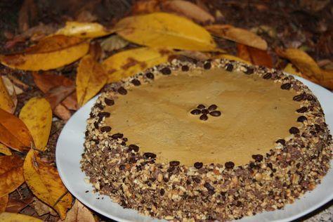 Tentações Sobre a Mesa: Bolo de Café com Creme Moka e Topping de Chocolate...