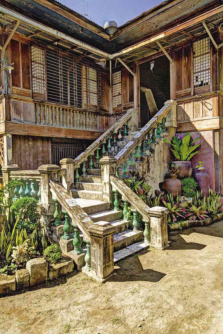 Heritage house - We love this old houses but they slowly disappear. You can still find them in numbers in Vigan City and IloIlo City.....
