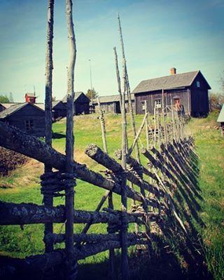 #discoverarchipelago #archipelago #aland #finland #island #tradition #grey #spring #day #rural #landscape #countryside #slow #slowtravel #peace #insta_international #instatravel #lonelyplanet #world_shotz #earth_expo #photooftheday