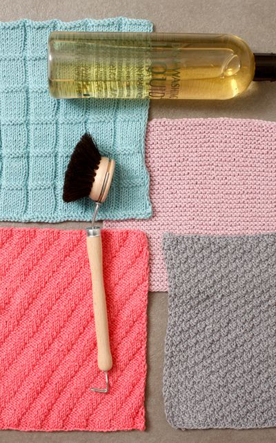 Värikkäät tiskirätit kosteutta imevästä Novita Bambu -langasta piristävät keittiön kuin keittiön! Ohje nettisivuillamme.    LANKA: NOVITA BAMBU