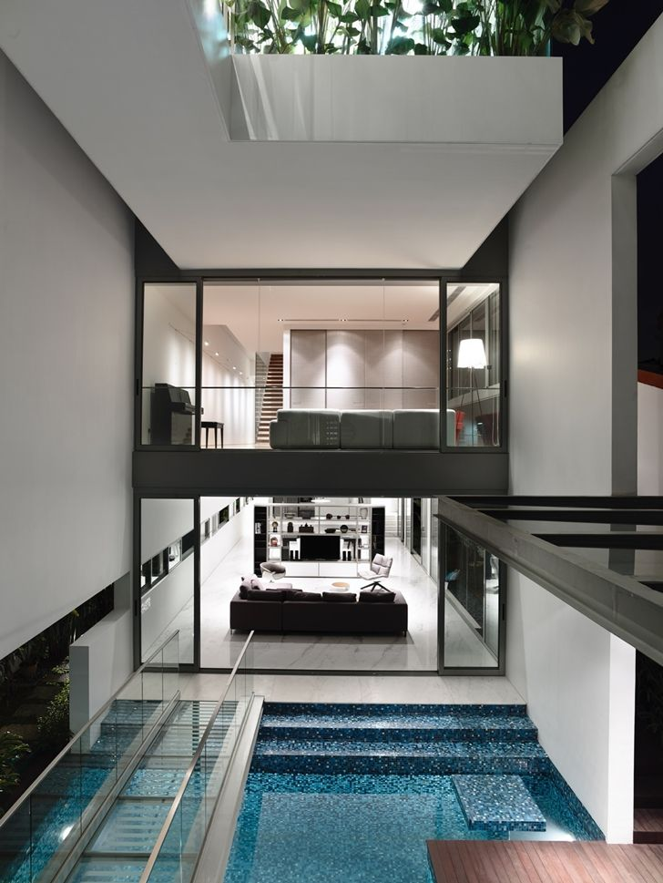 Amazing Narrow Dream Home In Singapore by Hyla Architects