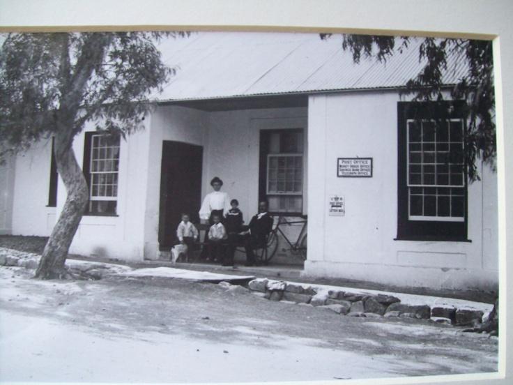 Post Office Villiersdorp circa 1910 photo by Ravenscroft