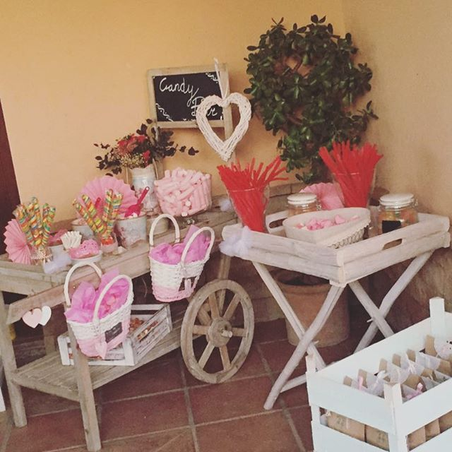 "@etcbahia: ""Un momento dulce para empezar la tarde!! #candybar #carritodechuches #comuniones #pink #flores #deco #comuniones2016 #decoeventos #feliztarde"""