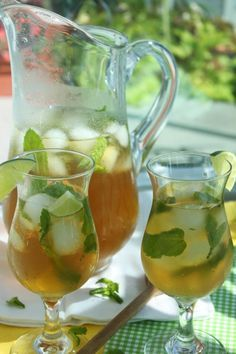 Mojito Ice Tea is the perfect summer time drink because it's refreshing and has almost no calories so you don't compromise your bikini body! The classic minty lime combination with a hint of sweetness is a perfect way to quench your thirst and cool you down on a hot day.
