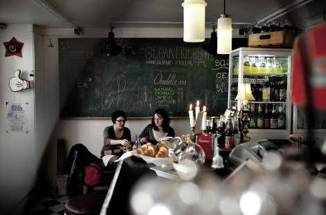 Café Nice byder på et strejf af fransk solskin, selvom man sidder i en lovlig mørk kælder.