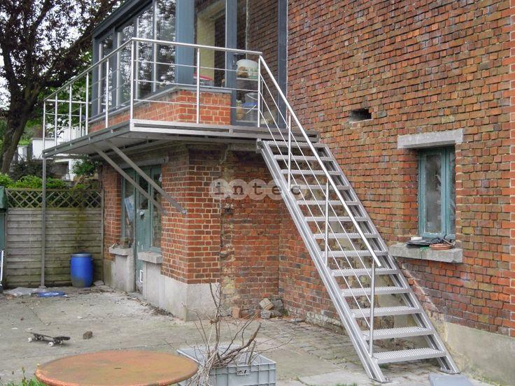 17 beste idee n over buiten trap op pinterest trap ontwerp for Trap buiten hout