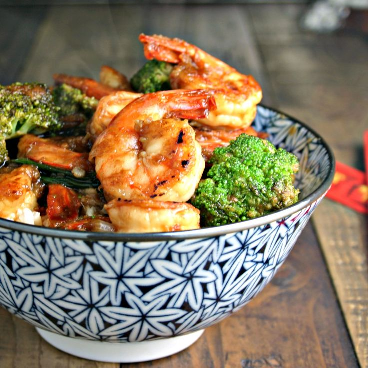 This Chinese Shrimp and Brocooli Stir Fry recipe is a 20-minute meal you'll love!