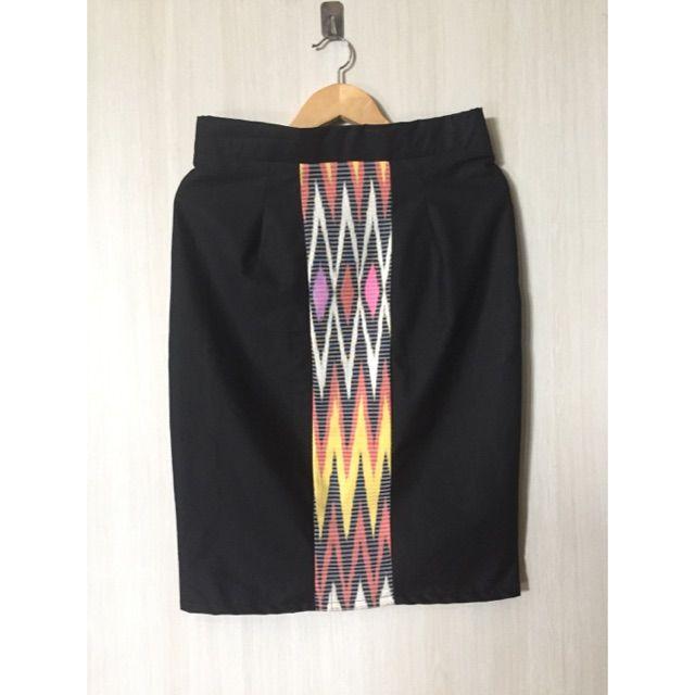 Temukan dan dapatkan Rok pensil tenun ikat  hanya Rp. 98.000 di Shopee sekarang juga! https://shopee.co.id/imanggoethnic/142931625 #ShopeeID