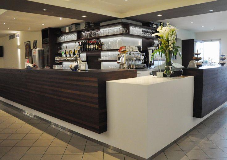 Oltre 1000 idee su bancone in legno su pinterest piani - Cucina con bancone bar ...