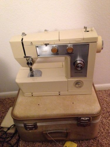 Nice MONTGOMERY WARD SEWING MACHINE Model UHT J 40 With Case Interesting Montgomery Ward Sewing Machine Manual