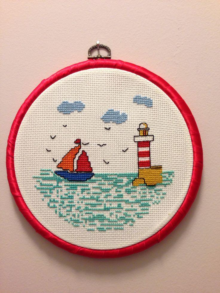 Yelkenli ve deniz feneri kanaviçe