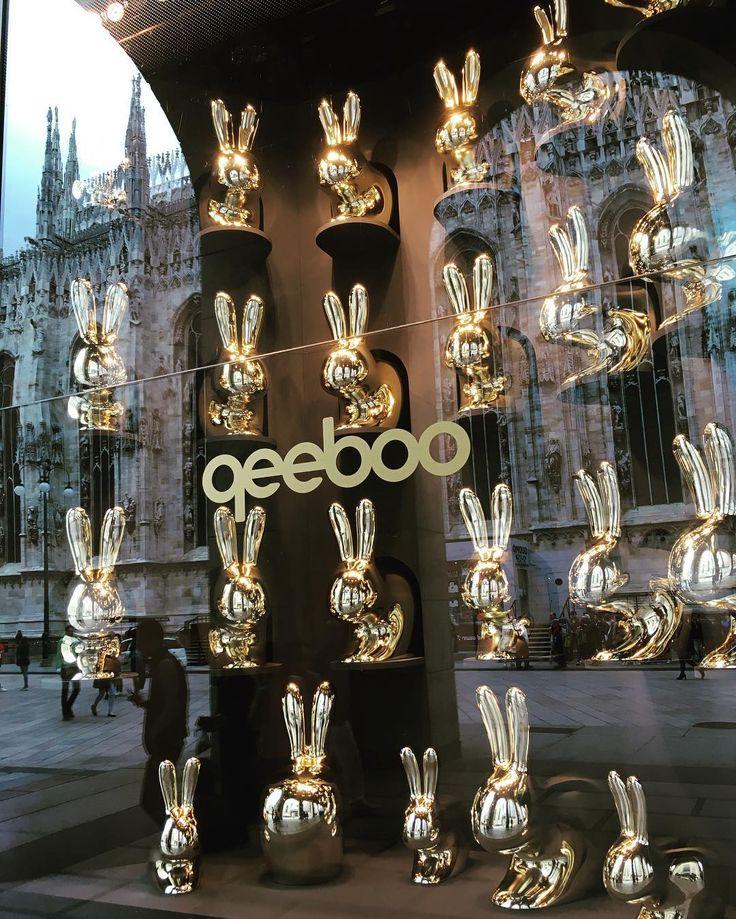 Everybody #loves #rabbits #qeeboo #larinascentemilano #window of the #week #beauty #duomo #mirrorselfie #citycentre #metallic #bronze #sculpture #fabolous #joy #lovely #design #stefanogiovannoni by princymc