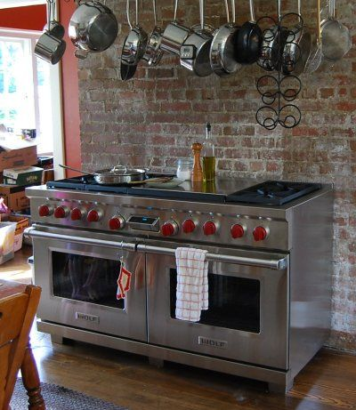 Wolf range I would love to have this in my dream kitchen it weighs 950 pounds and costs about 13,000 dollars! Awesome stove!!