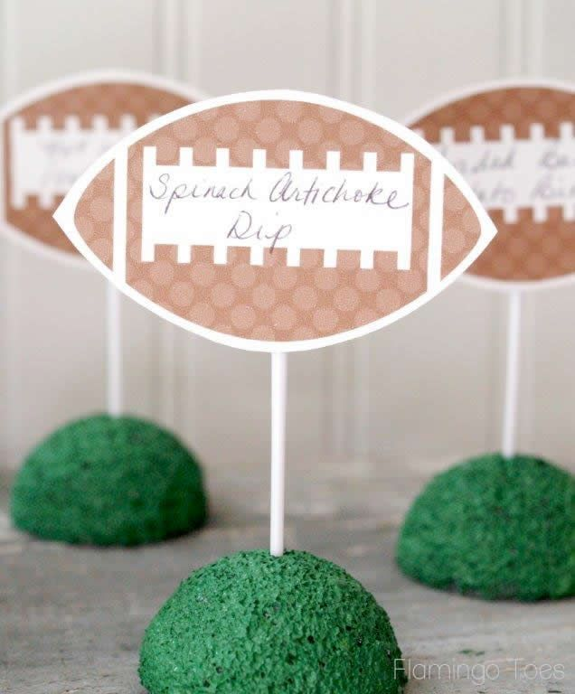 Cute idea to label the food. || Free Printable #Football Food Labels #Superbowl @alexisgregory