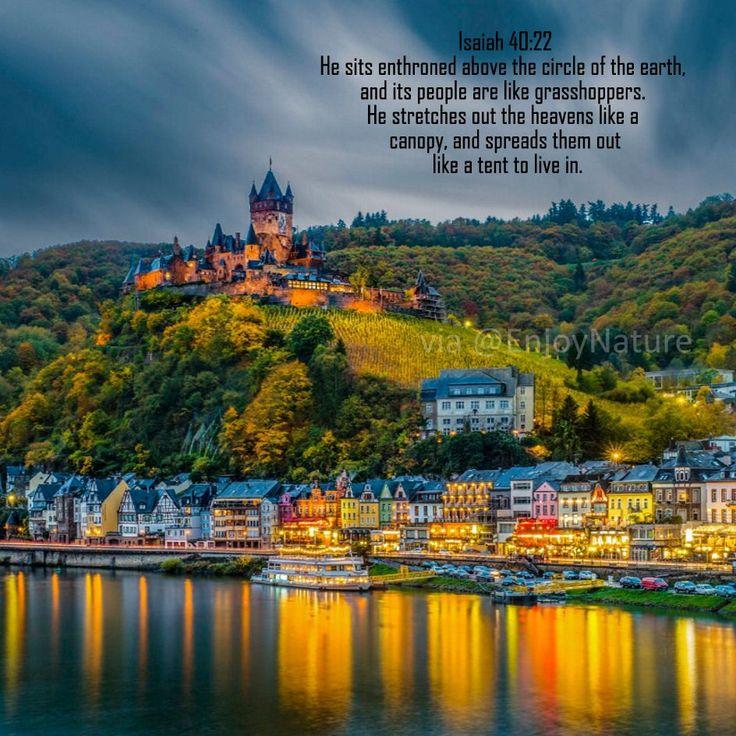 Isaiah 40:22 niv