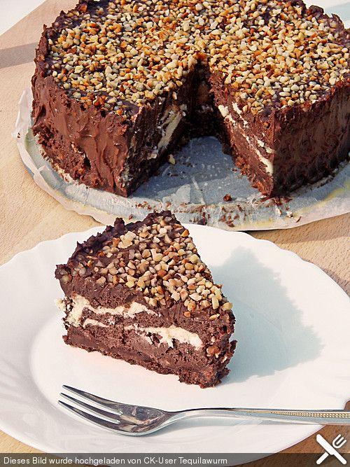 Rocher-Cheesecake, ein gutes Rezept aus der Kategorie Backen. Bewertungen: 4…