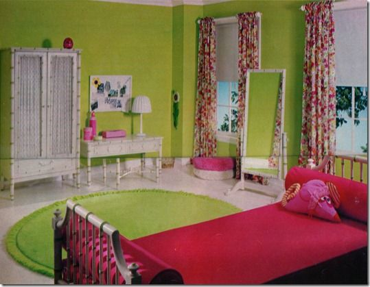 Decorating Ideas > Seventeen Magazine OCTOBER 1966 Interior Design, 1960S  ~ 152739_Seventeen Magazine Dorm Room Ideas