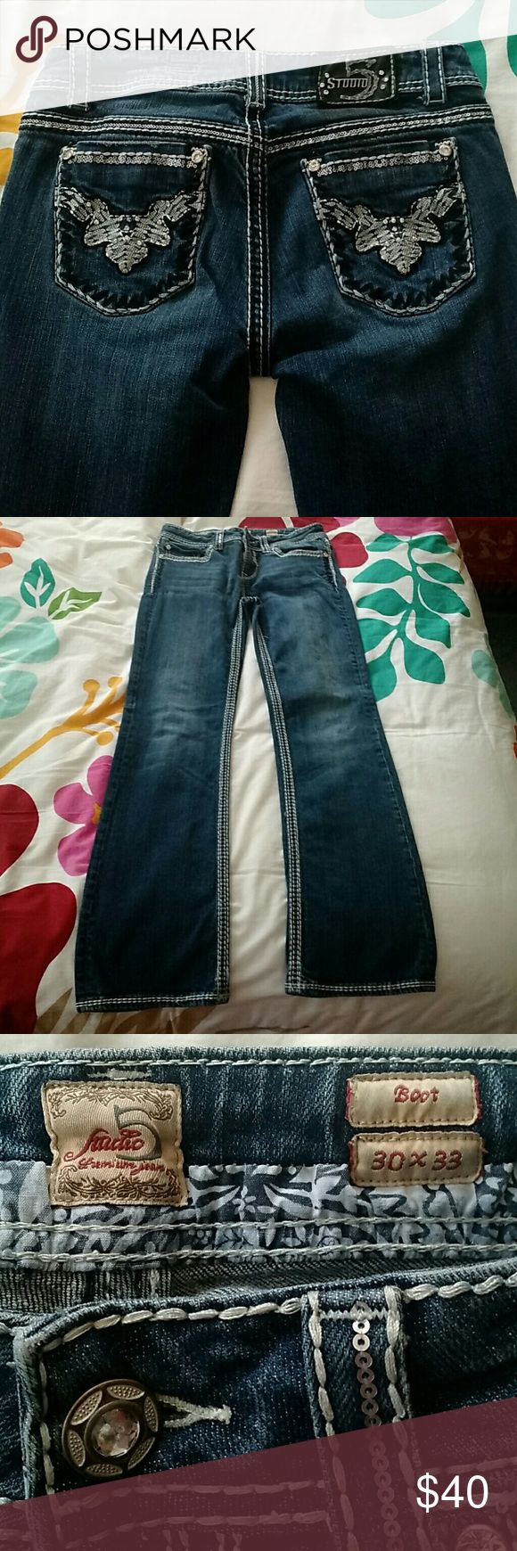 💎 Studio 5 Rhinestone Bling Women's Jeans 💎 Denim jeans have decorative contrast seam stitching and rhinestones on back pockets. Boot cut. In like-new condition. Zero fraying. All adornments are intact. Similar quality and look to Miss Me. Studio 5 Jeans Boot Cut