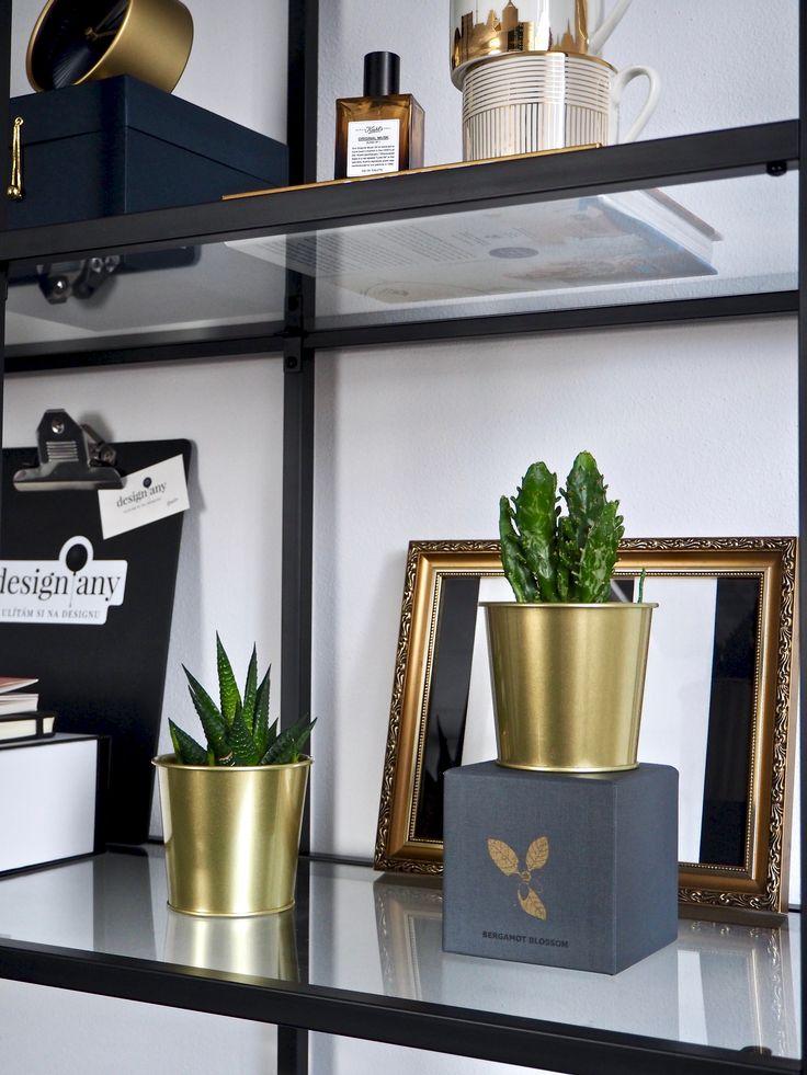 Jak dekorovat – OTEVŘENÉ POLICE – Designany shelfie, decorations, shelves, flat lay, coffee table book, how to decorate shelves, interior designer, open shelving