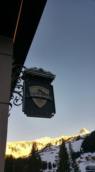 Gute Aussichten mit unserer neuen Tafel :-) Heute wird's wieder sonnig :-)  #topofthemountain #damüls #wetter #schneereich