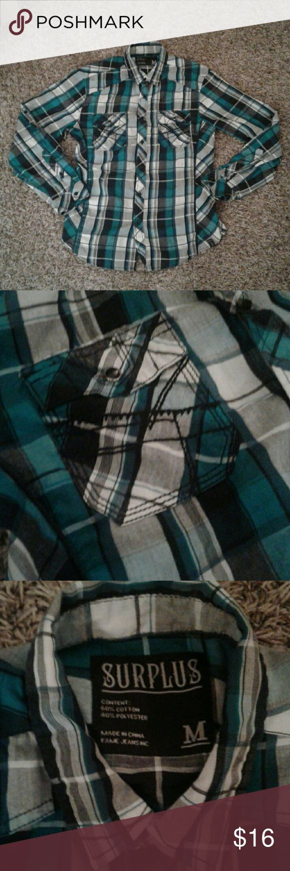 Mens plaid shirt, like new, medium Excellent condition Surplus Shirts Dress Shirts