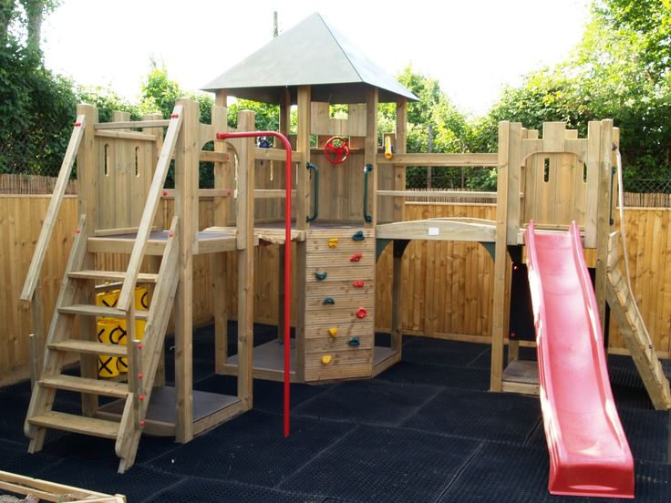 17 best ideas about castle playhouse on pinterest kids for Diy jungle gym ideas