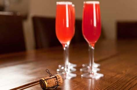 A simple Raspberry bellinis recipe for you to cook a great meal for family or friends. Buy the ingredients for our Raspberry bellinis recipe from Tesco today.