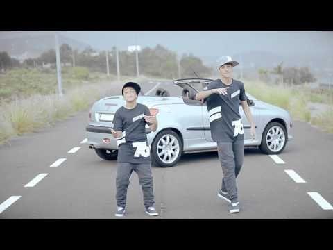 Hasta El Amanecer es una versión del tema original de Nicky Jam interpretado por Adexe & Nau, con un videoclip producido y dirigido por Iván Troyano (manager...