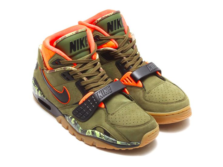 Bo Jackson's signature Nike Air Trainer SC II receives another update this  Fall/Winter 2014 with the ubiquitous camouflage treatment.