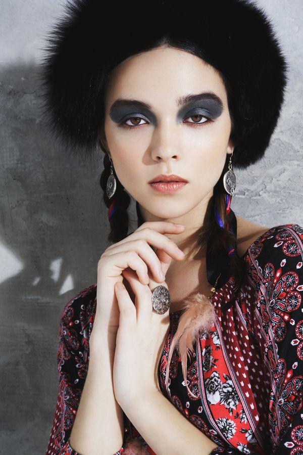 ph: Энжи Монгуш style: Карина Цветаева muah: Юлия Грабина hair: Мария Акимова model: Катя Гоглева #selectdeluxe #model http://www.selectdeluxe.ru/ #fashion #modeltest #photoshoot mongush.e@gmail.com