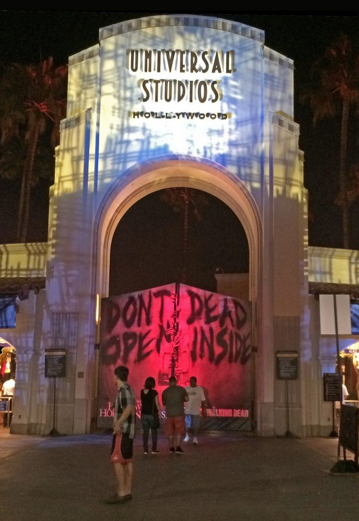 Halloween Horror Nights Hollywood Tips - Entrance