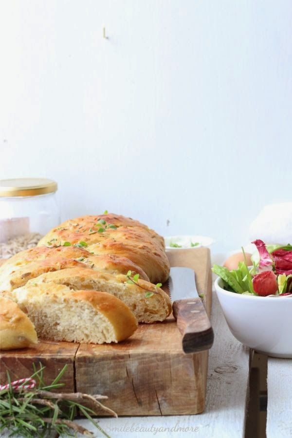 Pane morbido alle erbe aromatiche | Smile, Beauty and More