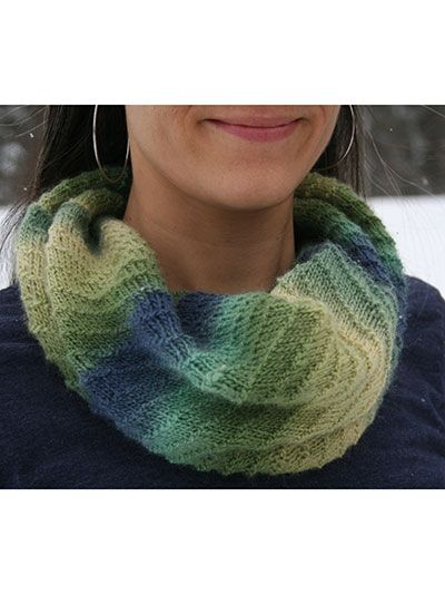 Quickie Cowl Knitting Pattern : 1000+ images about Knitting Neck Warmer & Cowl Pattern Downloads on Pinte...