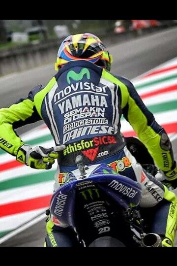 #thisisforsic58 Valentino Rossi with a # dedicated to marco simoncelli on his leathers for his 300th grand prix appearance in Mugello 2014