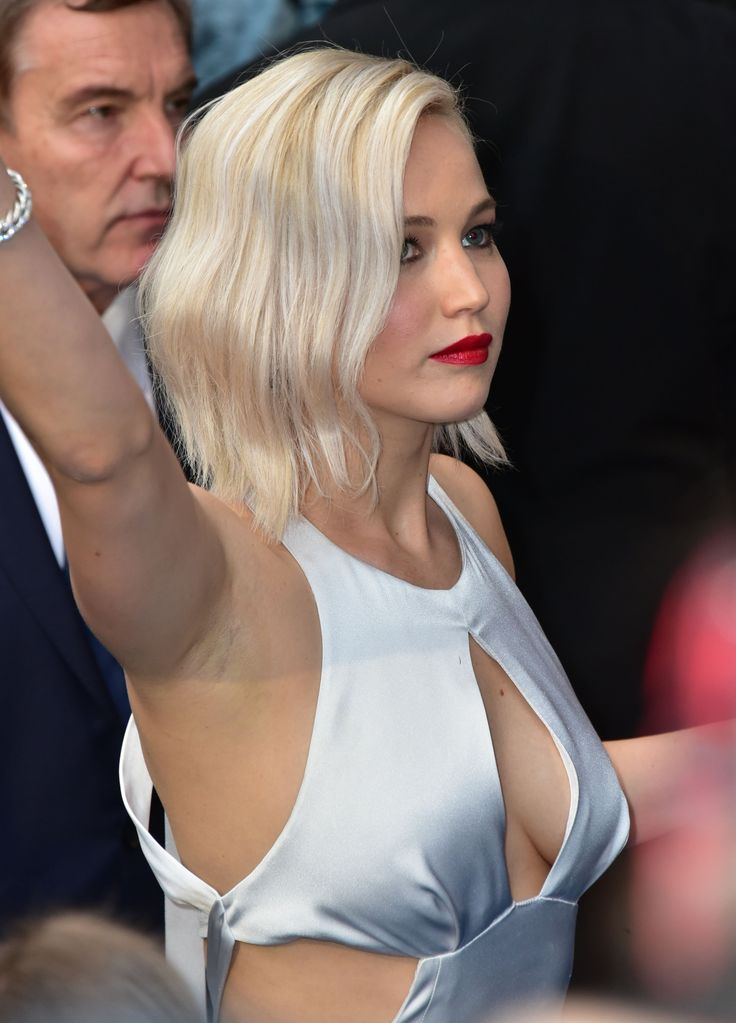 The Pits! 15 Celebrities With Untamed Underarm Hair ...