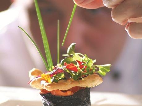 L'artiste à l'oeuvre, #gastronomie à l'Auberge Godefroy, #Bécancour, @centreduquebec #terroir @hotchampetre