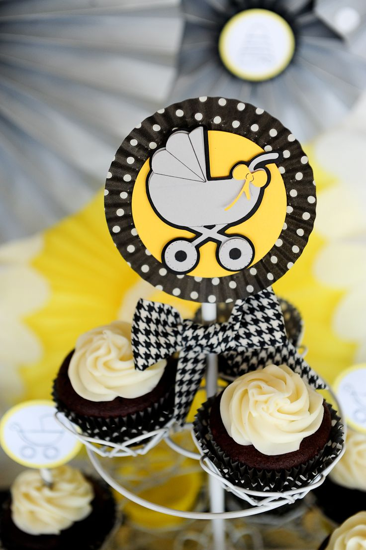 Gender neutral baby shower ideas pinterest - Bee Themed Baby Shower