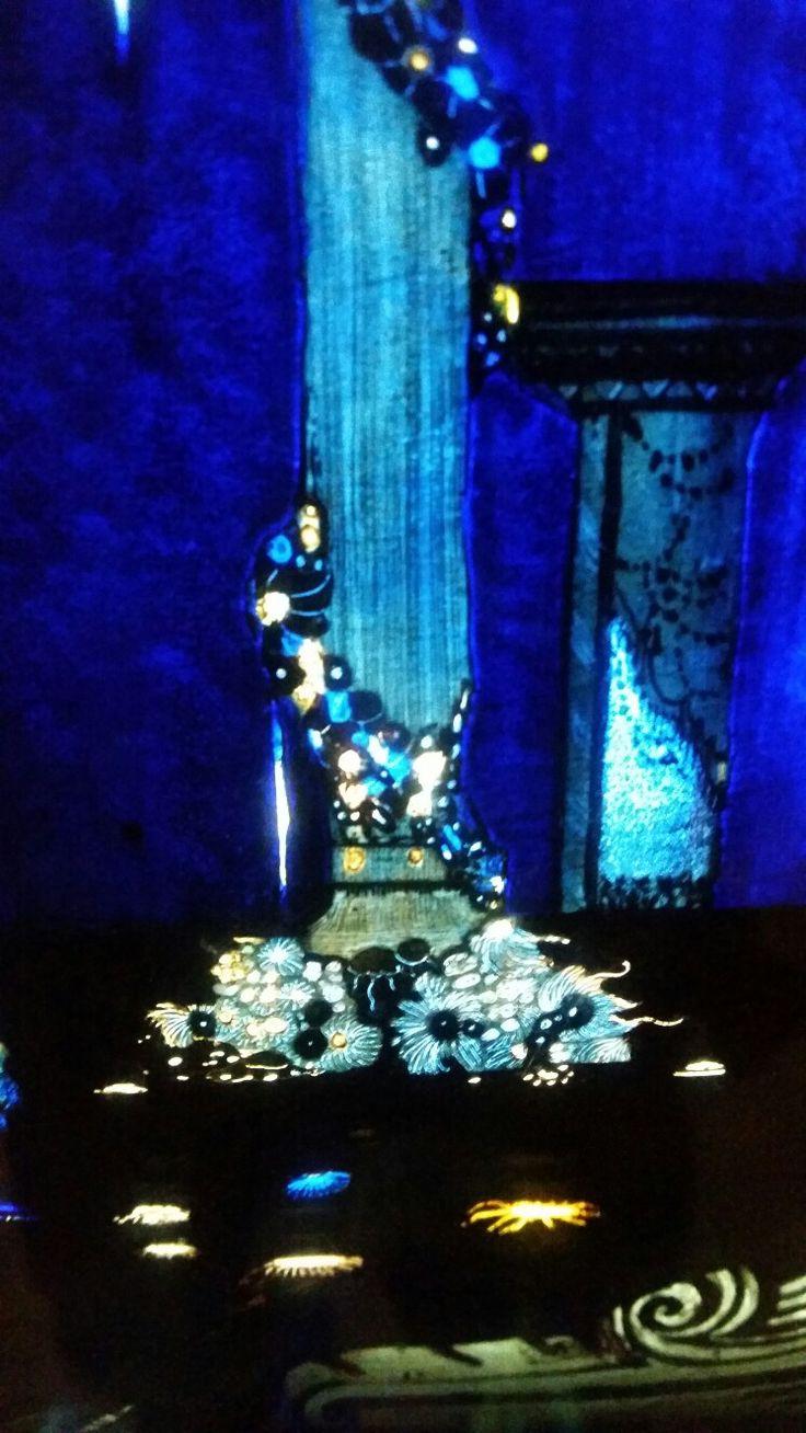 Alladin pedestal stolen from the cave.