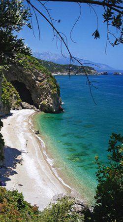 Beach Anamaki (Damian), Hiliadou, Evia, Greece // by Vagias Katsos