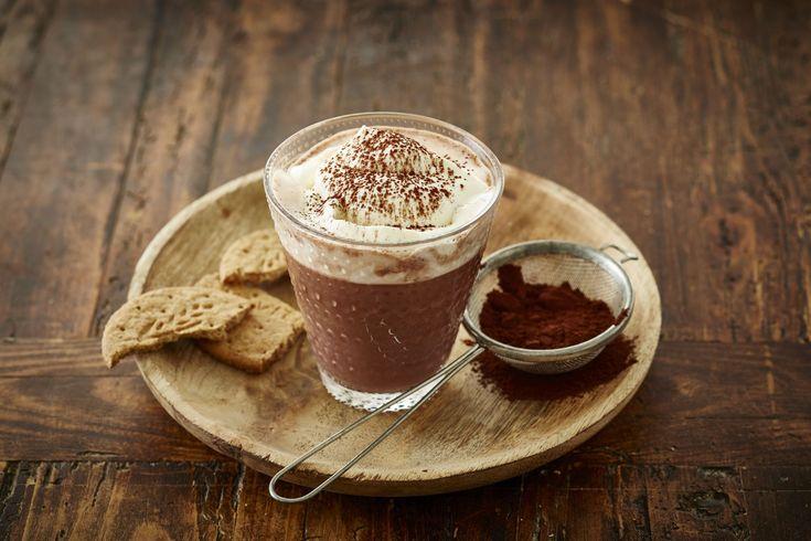 Hva med en kopp kakao med krem eller varm sjokolade med chili til kveldsmat? Se fristende oppskrifter for inspirasjon.
