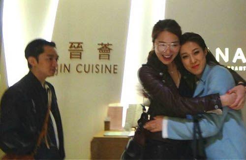Wong Cho-lam Denies Signing Linda Chung Under His Studio